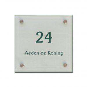 Mat glas naambord 20x20cm